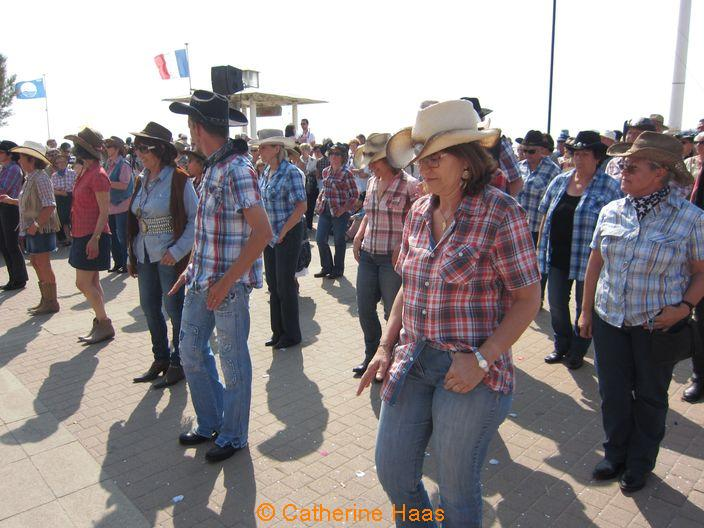 205 – Danses country des clubs de Grayan et Le Verdon.